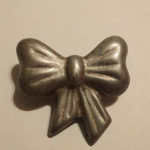 Vintage native sterling silver bow brooch/pendant